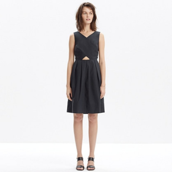 9e61e4f7623 Madewell Dresses   Skirts - Madewell Cutout Sundress in Navy